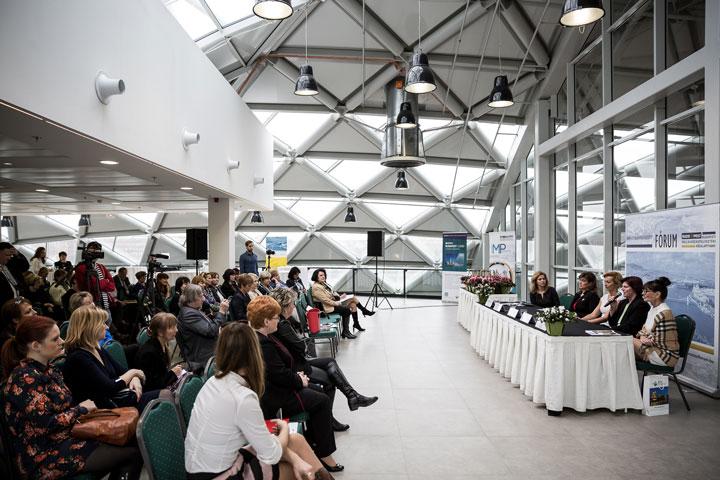 Női-vezetők-női-vállalkozók-a-turizmusban-kerekasztal