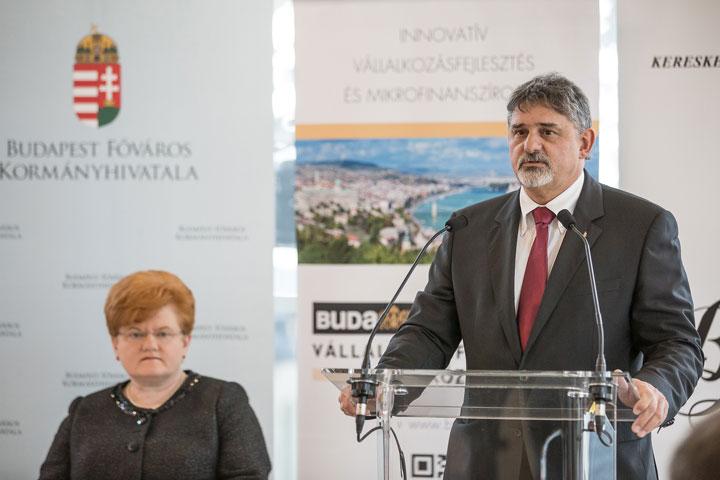 Dr-György-István-KKV-Állásbörze-megnyitó